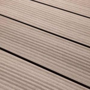 Декинг — новый материал для террасы, места комфортного отдыха на открытом воздухе (фото + видео)