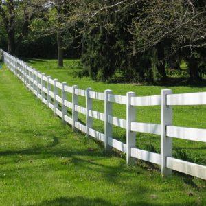Деревянный забор: от классики до модерна свежий  взгляд на привычные вещи
