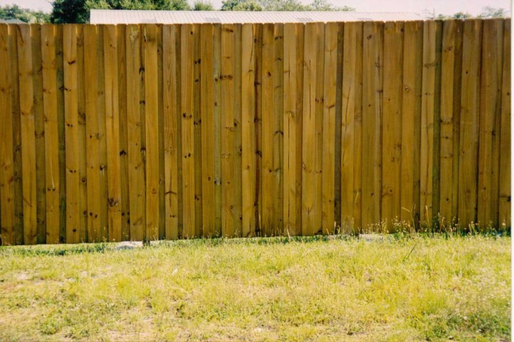 Забор из заборной доски фото