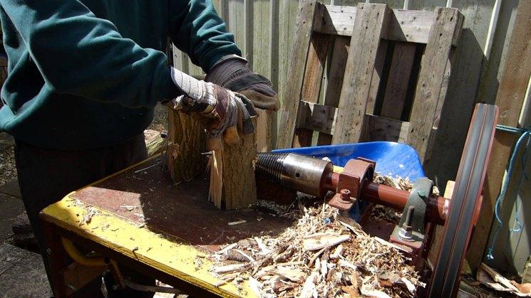 Дровокол своими руками - механизированная подмога при заготовке дров на зиму (фото   видео)