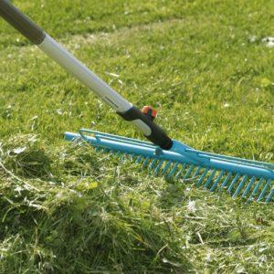 Грабли — необходимый и нужный инструмент для грядок на загородном участке, виды и описания