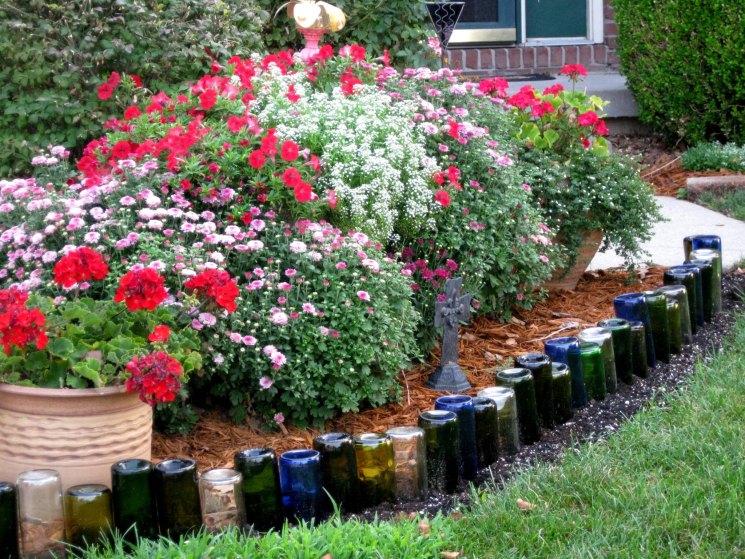 Садовые дорожки из стеклянных бутылок - лучшая идея для дачи