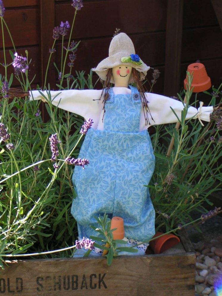 Куклы для огорода своими руками фото