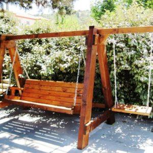 Садовые качели — излюбленное место детворы и взрослых, обзор материалов и конструкций