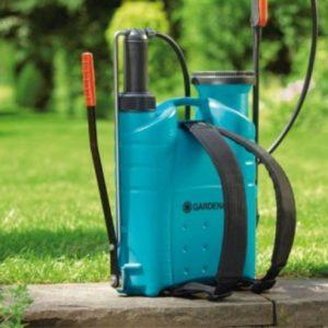 Садовый опрыскиватель — лучший инструмент для обработки от вредителей и подкормки растений (фото + видео)